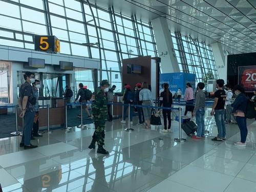 Đưa hơn 280 công dân Việt Nam từ Australia về nước an toàn - ảnh 1