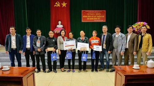 VOV5 trao quà của kiều bào và nhà tài trợ tới đồng bào bị ảnh hưởng bão lũ ở Hà Tĩnh - ảnh 1