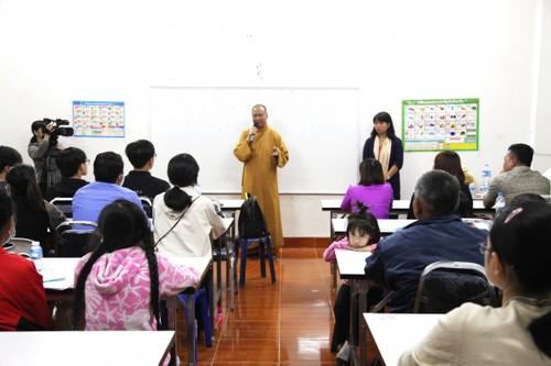 Chùa Phật Tích tại Lào mở khóa học ngôn ngữ miễn phí cho người Việt - ảnh 1