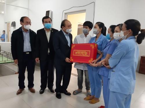 Lãnh đạo Đảng, Nhà nước, Chính phủ thăm và tặng quà Tết tại các địa phương - ảnh 1
