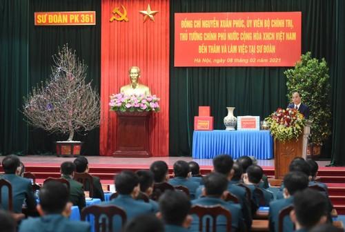 Thủ tướng Nguyễn Xuân Phúc thăm, chúc Tết Sư đoàn Phòng không Hà Nội - ảnh 2