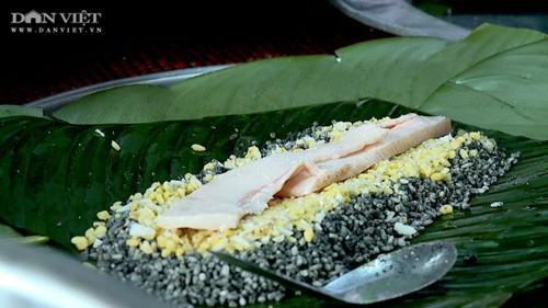 Bánh chưng thảo dược – Món ăn độc đáo của đồng bào dân tộc Mường tỉnh Phú Thọ - ảnh 1