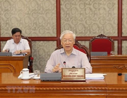 Kết luận của Bộ Chính trị về môt số nhiệm vụ trọng tâm trong công tác chống dịch Covid-19 và phát triển kinh tế- xã hội - ảnh 1