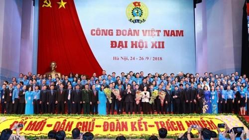 Nghị quyết của Bộ Chính trị về đổi mới tổ chức và hoạt động của Công đoàn Việt Nam trong tình hình mới - ảnh 1