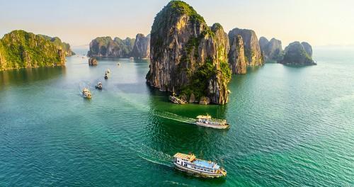 Quảng Ninh miễn phí vé tham quan vịnh Hạ Long, Yên Tử... đến hết năm 2021 - ảnh 1