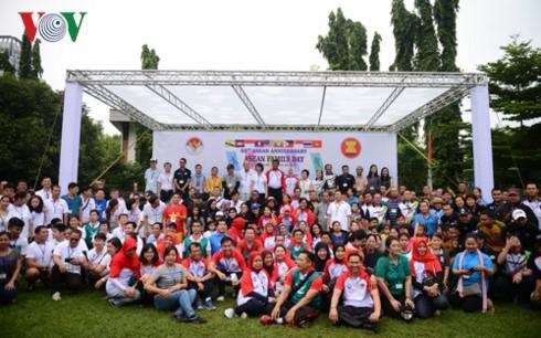 Sôi nổi ngày gia đình ASEAN tại Thái Lan - ảnh 1