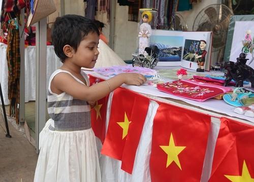Tôn vinh văn hóa Việt tại Lễ hội Thủ công mỹ nghệ quốc tế Bangladesh - ảnh 5
