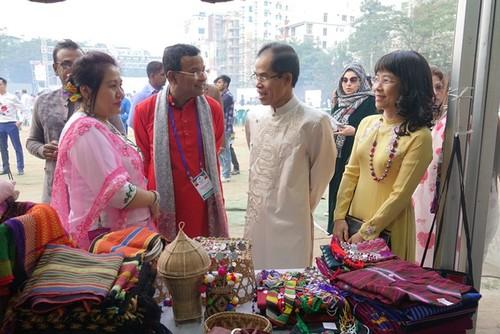 Tôn vinh văn hóa Việt tại Lễ hội Thủ công mỹ nghệ quốc tế Bangladesh - ảnh 2