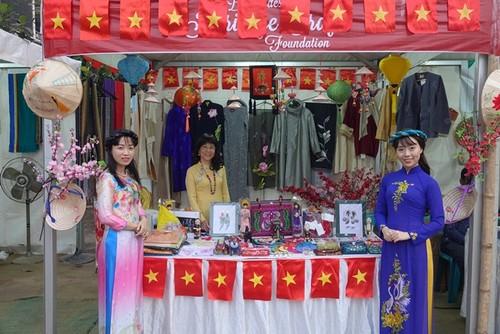 Tôn vinh văn hóa Việt tại Lễ hội Thủ công mỹ nghệ quốc tế Bangladesh - ảnh 3