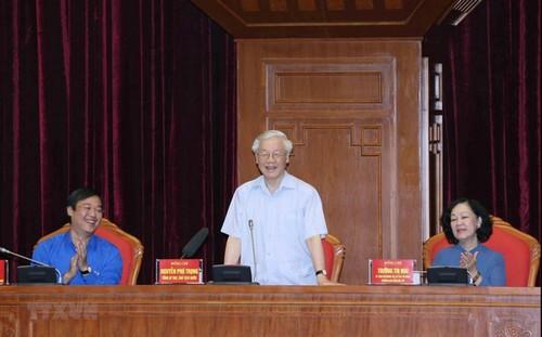 Tổng Bí thư Nguyễn Phú Trọng gặp mặt đảng viên trẻ tiêu biểu toàn quốc học tập và làm theo lời Chủ tịch Hồ Chí Minh - ảnh 1