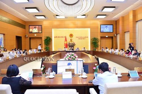Ủy ban Thường vụ Quốc hội cho ý kiến về xử lý tiền thuế nợ - ảnh 1