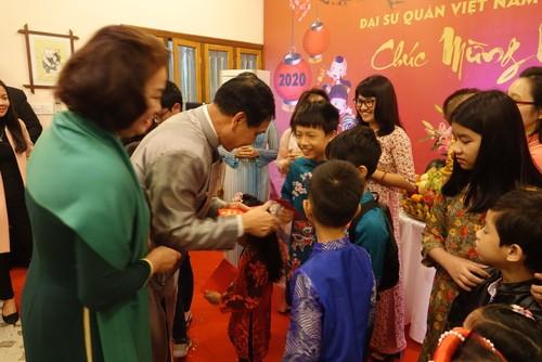 Đại sứ quán Việt Nam tại Bangladesh tổ chức Tết cộng đồng xuân Canh Tý 2020 - ảnh 8