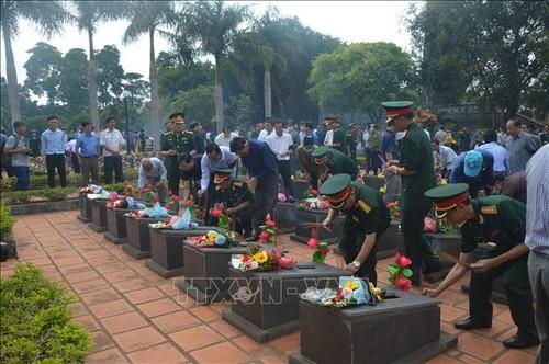 Tỉnh Gia Lai truy điệu và an táng 16 hài cốt liệt sĩ hy sinh tại Campuchia - ảnh 1
