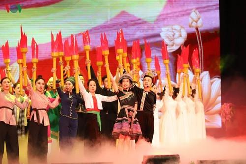 Lễ kỷ niệm trọng thể 130 năm ngày sinh Chủ tịch Hồ Chí Minh - ảnh 1