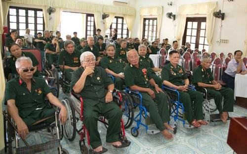 Tri ân các thương binh, bệnh binh, những người có công với cách mạng - ảnh 4
