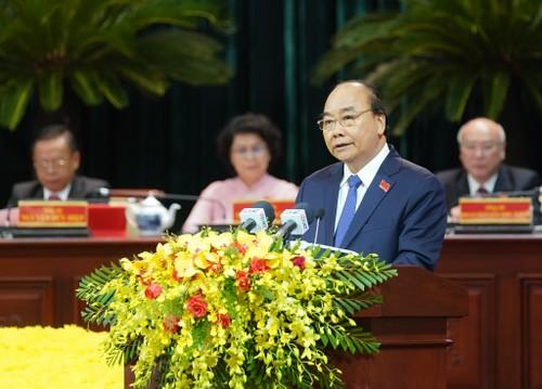 Thủ tướng mong muốn Thành phố Hồ Chí Minh giữ vững vai trò đầu tàu kinh tế của cả nước - ảnh 1