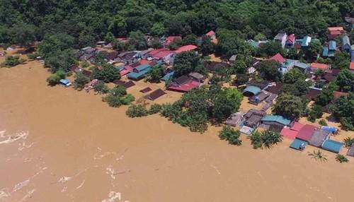 ASEAN sẵn sàng hỗ trợ các quốc gia Đông Nam Á bị lũ lụt và sạt lở đất - ảnh 1