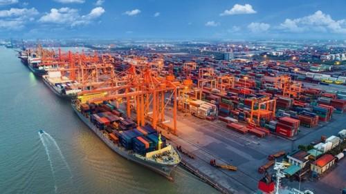 Xuất nhập khẩu tăng trưởng tích cực, Việt Nam xuất siêu gần 3 tỷ USD - ảnh 1