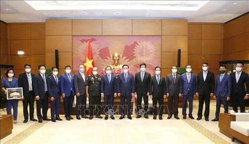 Việt Nam luôn coi trọng và dành ưu tiên cao cho việc củng cố và tăng cường quan hệ với Campuchia - ảnh 2