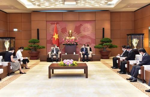 Chủ tịch Quốc hội Vương Đình Huệ tiếp Đại sứ Nhật Bản tại Việt Nam Yamada Takio - ảnh 1