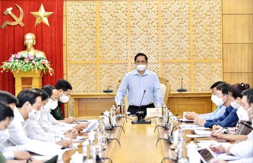 Thủ tướng Phạm Minh Chính thăm Bắc Giang và Bắc Ninh - 2 tỉnh bị ảnh hưởng nhiều nhất bởi dịch COVID-19 - ảnh 1