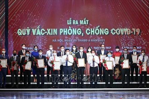 Việt Nam ngày càng chủ động và linh hoạt trong ứng phó dịch COVID - 19 - ảnh 2