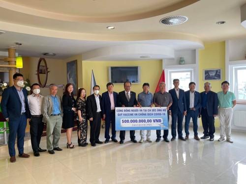 Cộng đồng người Việt Nam tại Séc chung tay ủng hộ quỹ vaccine phòng chống Covid-19 - ảnh 1