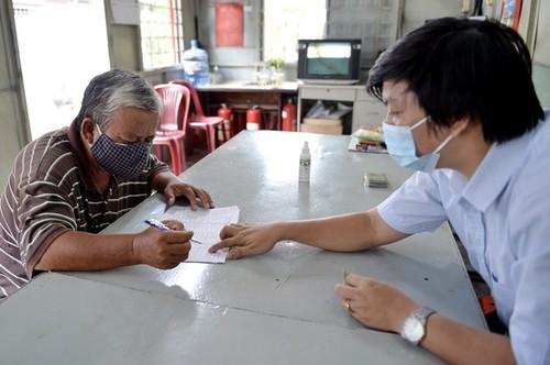 Tiền hỗ trợ đã đến tay 214.000 lao động tự do ở thành phố Hồ Chí Minh - ảnh 1