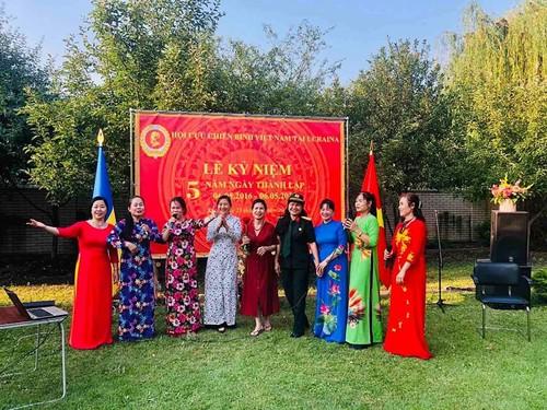 Lễ kỷ niệm 5 năm thành lập Hội Cựu chiến binh Việt Nam tại Ucraina - ảnh 2