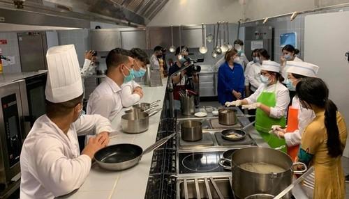 Giao lưu ẩm thực Việt Nam - Algeria: Tăng cường sự hiểu biết về văn hóa du lịch - ảnh 2