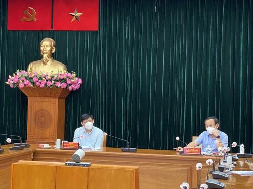 Thành phố Hồ Chí Minh đẩy nhanh chiến dịch tiêm vaccine - ảnh 1