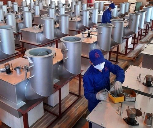 Businesses adopt flexible measures to respond to pandemic - ảnh 1