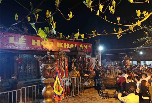 Spring festivals add greater value to Vietnam's cultural treasure  - ảnh 2