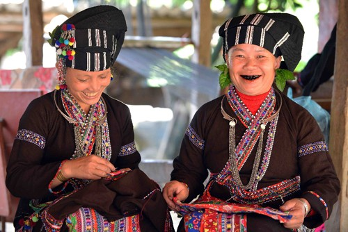 Black teeth: Vietnam's once hot beauty regimen  - ảnh 4