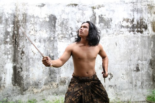Balinese dance - religious, artistic expression of Indonesian islanders - ảnh 3