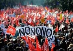 Manifestaciones protestan despidos del sector bancario español  - ảnh 1