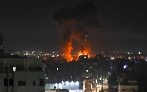Israel bombardea instalaciones militares en Gaza - ảnh 1