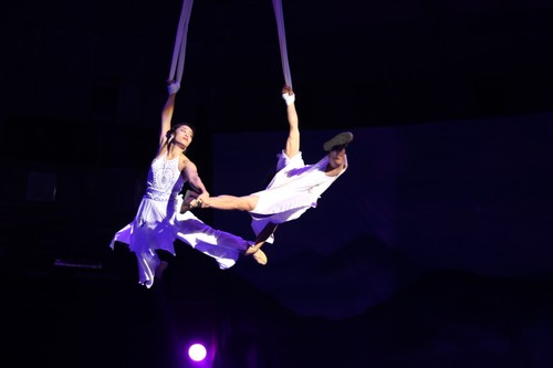 """""""The Magic Stick"""" - first-ever combination of circus and traditional music - ảnh 13"""