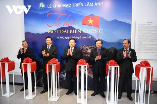 Photo exhibit features Vietnam's border areas - ảnh 1
