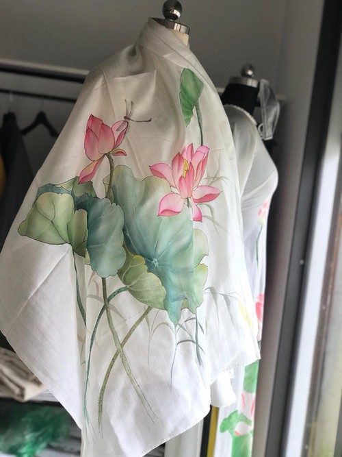 Silk painting – techniques and contemporary applications - ảnh 3