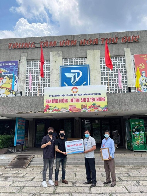 MuzikDapDich – online challenge increases donations to local food bank - ảnh 2