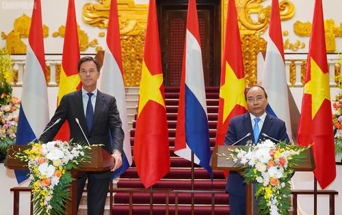 Vietnam-Netherlands ties upgraded to comprehensive partnership - ảnh 1
