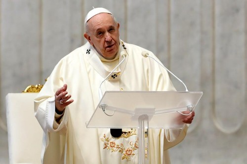 Pope reappears after pain flare-up, calls for peace in New Year message - ảnh 1