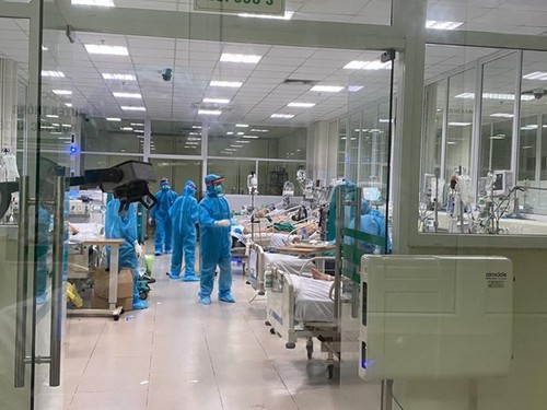 One more COVID-19 death, 37 domestic infections confirmed Monday morning - ảnh 1