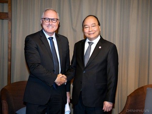 Thủ tướng tiếp doanh nghiệp Singapore tiên phong đầu tư vào Việt Nam - ảnh 1