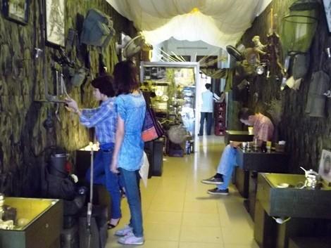 Cafetería de soldados y memorias de guerra  - ảnh 3