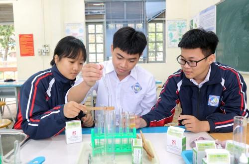 Jóvenes de Quang Ninh en la vanguardia en el desarrollo científico-tecnológico - ảnh 1