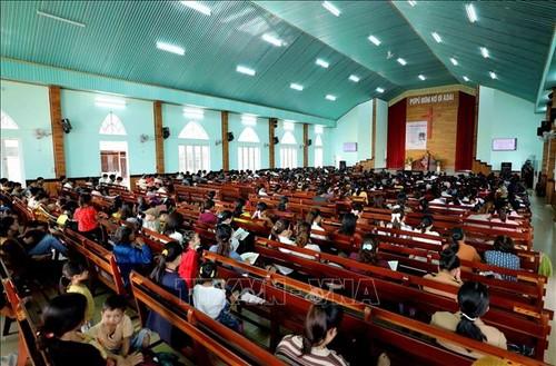 Visitar la iglesia evangélica de Plei Mo Nu - ảnh 2