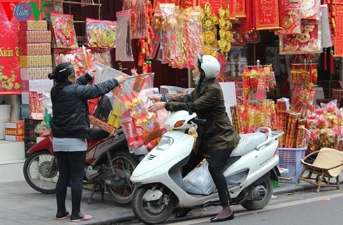 Le culte des Génies du Foyer, une tradition séculaire des Vietnamiens - ảnh 1