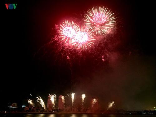 Clôture du Festival international de feux d'artifice de Da Nang 2019 - ảnh 1